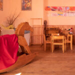 asilo-materna-cavallo-dondolo-giochi-legno-steiner-porte-aperte